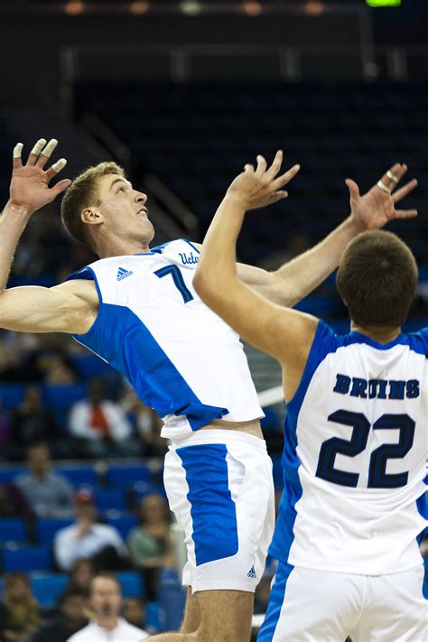 Men's volleyball fails to finalize upset of No
