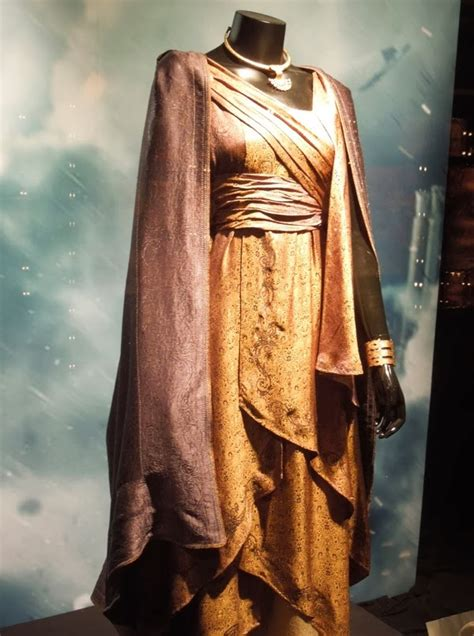 Hollywood Movie Costumes and Props: Thor: The Dark World