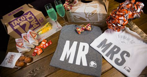 Get Married Taco Bell Style With These Wedding Accessories