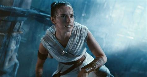Daisy Ridley Was Still Pulling Pints When She Landed Her