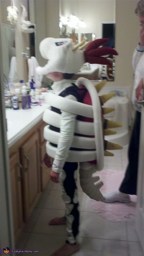 Dry Bowser Costume - Photo 2/9