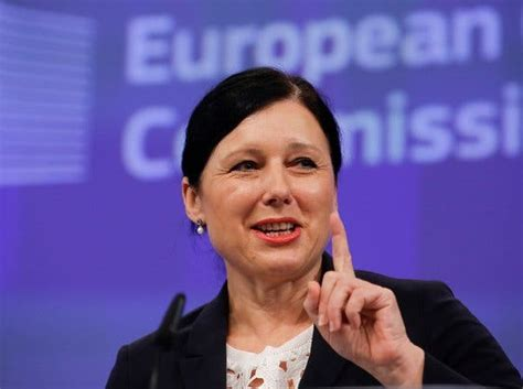 Europe Seeks to Reach Data Transfer Pact by Early 2016