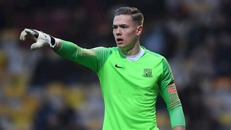 Nathan Bishop joins Manchester United - News - Southend United