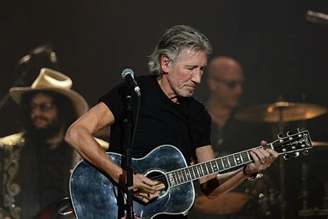 Roger Waters Calls for Cultural Boycott of Israel